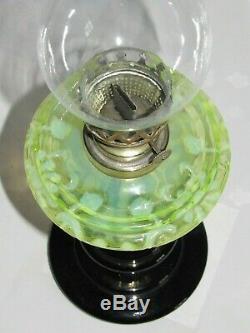 05F3 ANCIENNE LAMPE A PÉTROLE VERRE CRISTAL OURALINE DÉCORS ART NOUVEAU XIXe