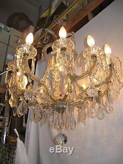 ancien grand lustre italien en verre et cristal style marie therese 13 lampes. Black Bedroom Furniture Sets. Home Design Ideas