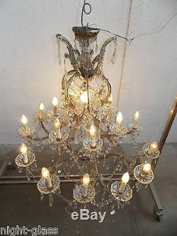 ancien grand lustre italien en verre et cristal style marie therese 19 lampes. Black Bedroom Furniture Sets. Home Design Ideas