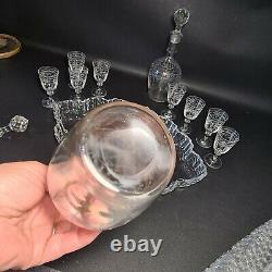 Ancien Service À Liqueur 2 Carafes Et 8 Verres En Cristal Sur Un Plateau