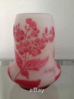 Ancien Vase Art Nouveau Vers 1910 En Pate De Verre Signee De Vez Pantin