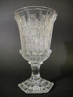 Ancien grand verre à pied en cristal taillé d'époque Charles X XIXeme