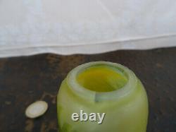 Ancien petit vase GALLE authentique pate de verre