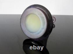 Ancien vase Gallé en verre multicouche dégagé à l'acide. Eclat au col