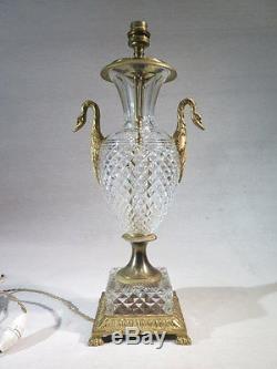Ancienne Lampe Vase Cassolette En Cristal Taille Bronze De Style Empire Cygnes