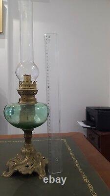 Ancienne Lampe à Pétrole en bronze et verre cristal