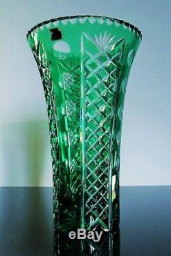 Ancienne Vase En Cristal Double Couleur Vert Taille Bohème Vers 1950