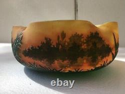 Ancienne coupe pate de verre Daum décor dégagé à l'acide croix de Lorraine