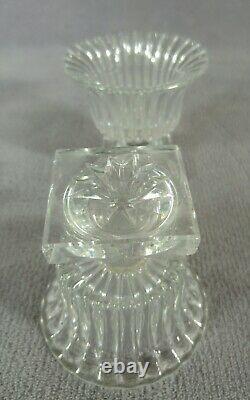 Ancienne paire de salière-poivrière en cristal moulé St-LOUIS Forme corbeille
