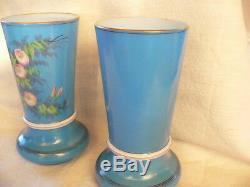 Ancienne paire de vase en opaline décor de fleur