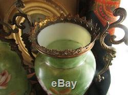 Ancienne paire de vase epoque XIXe en opaline peinte emaillee montes sur bronze