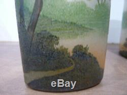 Ancienne paire de vases signés Legras dégagés à l'acide émaillés