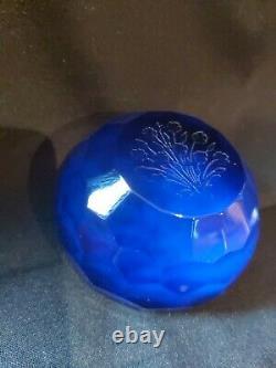 Ancienne sulfure presse papier st Louis a facettes decor fleurs couleur bleue 2