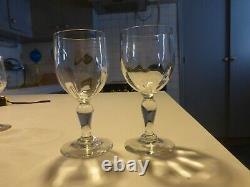 BELLE SERIE DE 8 grand verre à vin à pied ancien en verre très bon état