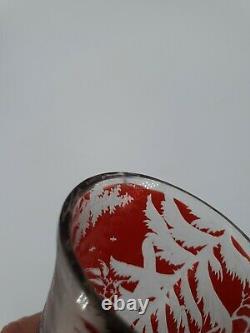 Bohème, ancien grand vase en cristal décor de chasse