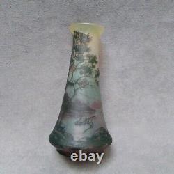 De Vez vase ancien french cameo glass devez Cristallerie de Pantin