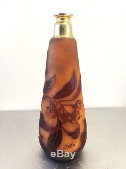 Emile Gallé ancien vaporisateur en verre multicouche gravé à l'acide Art Nouveau