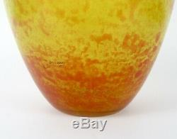 Grand vase ancien en pâte de verre signé LORRAIN (Daum Nancy) jaune orangé