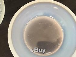 Hunnebelle, ancienne bonbonnière en verre opalescent Art Déco dlg Verlys Etling