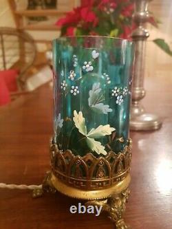 Lampe en verre émaillée ancienne, rat de cave monture bronze