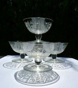 Lot 4 coupes a champagne ancienne cristal Baccarat vintage 1943 1961