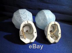 Paire D'anciennes Appliques De Salle De Bain Socle Porcelaine Globe Verre Clichy