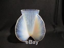 Pierre D'avesn Ancien Vase Opalescent Art Deco Opalisierende Vase