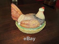 Portieux, très belle poule ancienne en opaline couleur origine rare