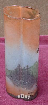 Rare ancien grand vase dégager a l acide signé LEGRAS decors lacustre