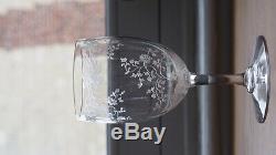 Série de 9 superbes verres gravés anciens en cristal -decor floral Parfait etat