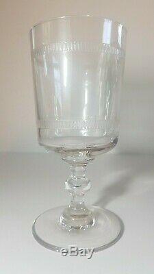 Service de 9 verres à eau ancien en cristal gravé