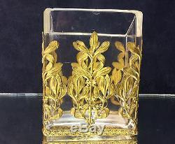 Tres Beau Vase Ancien Rectangulaire A Pan Coupé Orné De Fleurs En Bronze