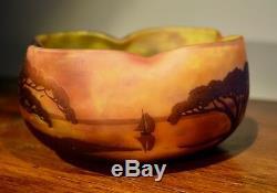 Très Joli Vase DAUM NANCY Ancien