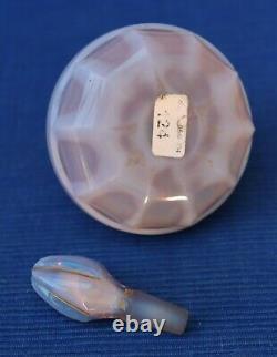 V44 RARE Flacon Parfum Ancien Cristal Opaline Violet Or XIXe Charles X